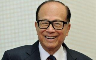 年满90的李嘉诚宣布退休了!